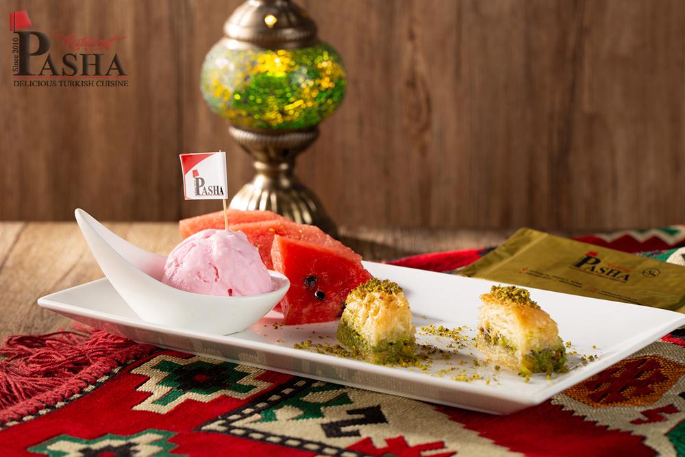 Pasha baklava ve dondurma
