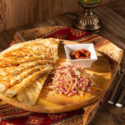 tavuk gozleme (chicken turkish flatbread)